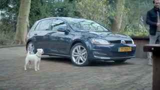 Nueva propaganda de Volkswagen Golf 7 - Perro que imita el sonido del auto