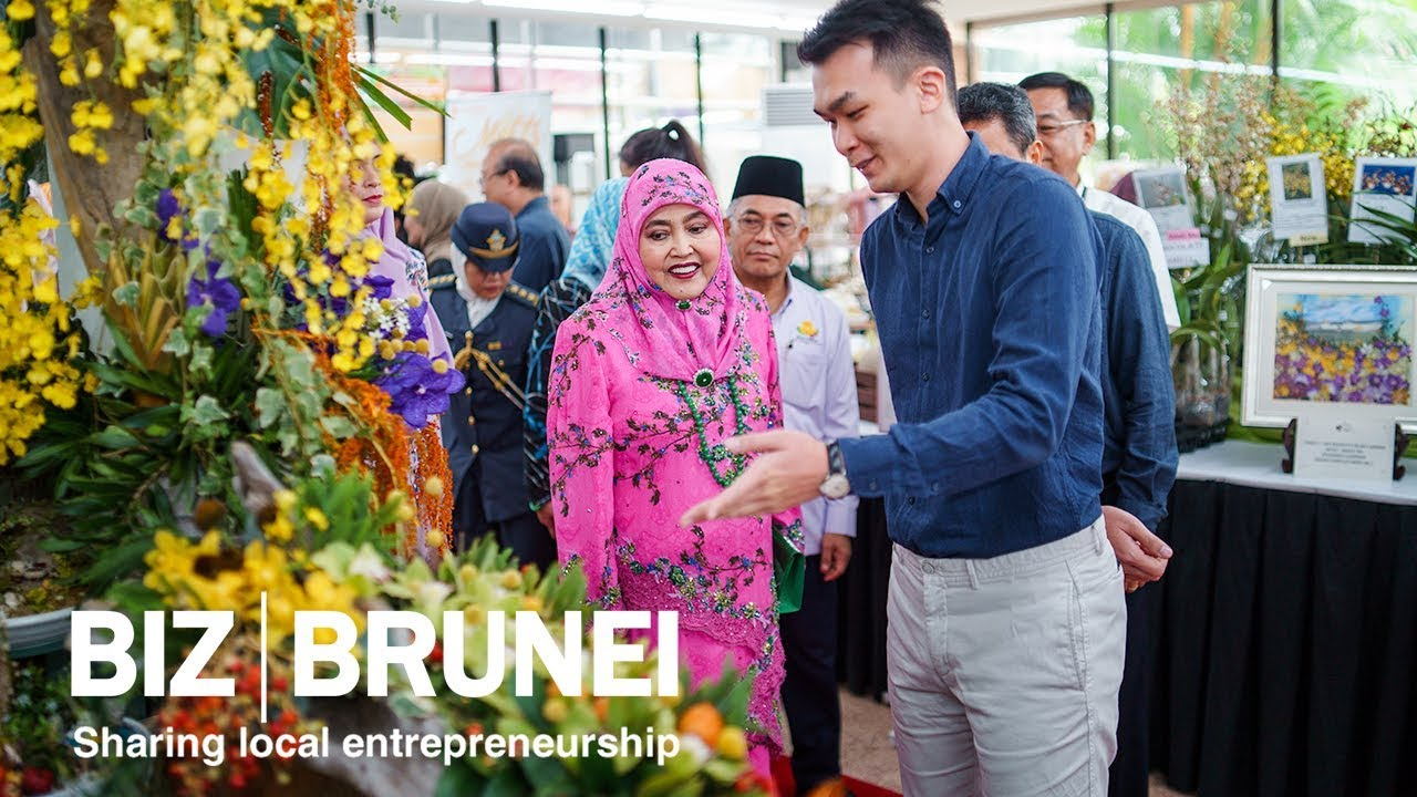 Her Majesty launches the first Brunei International Flower Show