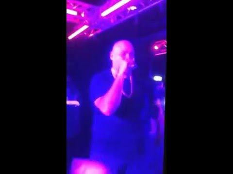 "Fat Joe performs ""Get It Poppin"""