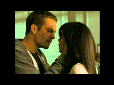 kissing paul walker dan jordana brewster di film fast n furious 4