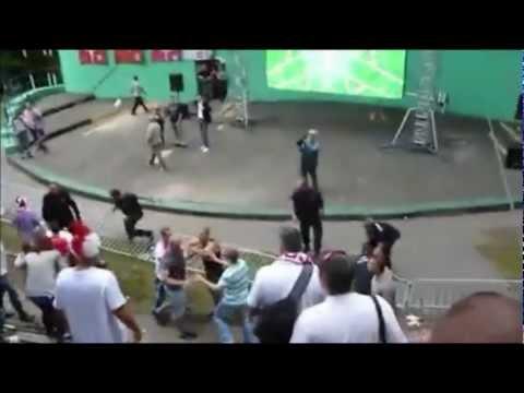 Hooligans Polonais tabassent des agents de sécurité / Polish fans beat security guards