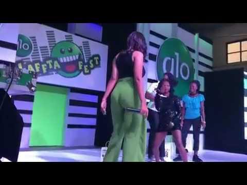 Juliet Ibrahim twerks bum to win Fan at Glo Lafta Fest Benin