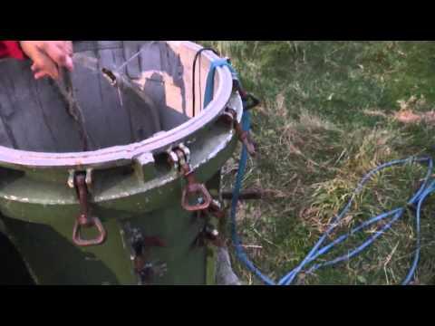 видео: Колодец из контейнера ракеты. пос. Рейдово, о. Итуруп, Курилы,  Россия