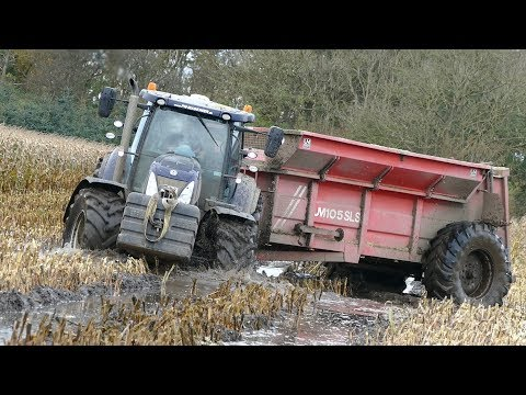 New Holland T7.270 Working Hard in The Mud During Maize / Corn Chopping | Häckseln 2017