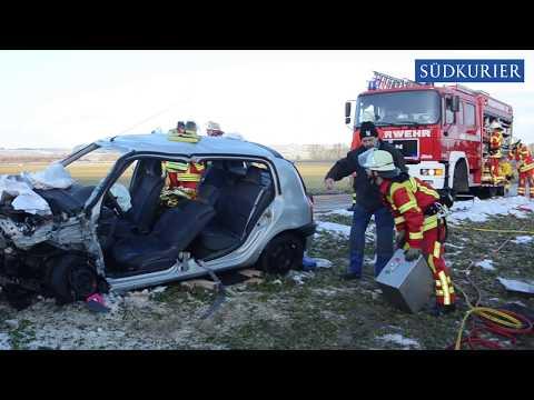 Drei Verletzte bei Glätte-Unfall zwischen alter B27 und Aasen (08.03.2018 )
