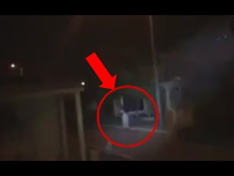 Graban FANTASMA en Panteón ¡Y LOS PERSIGUE! VÍDEO REAL