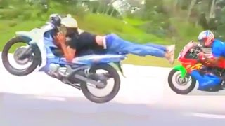 HIGHWAY TO HELL moped superman race - Kawasaki Ninja vs LC135 vs 125 catalyzer Yamaha