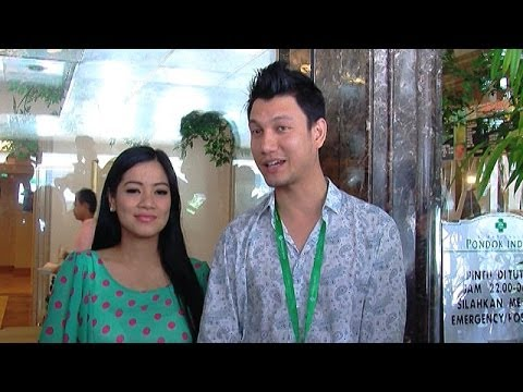 Christian Sugiono Dan Titi Kamal Bawa Pulang Buah Hati - Intens 20 November 2013
