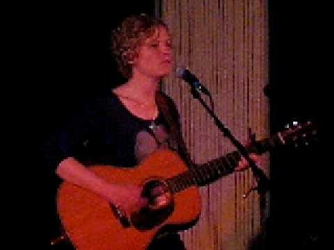 Catie Curtis  Sing