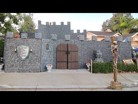 Beware The Dark Realm 2018 - Haunted House Castle / Night Time Walk Thru & Behind The Scenes Tour