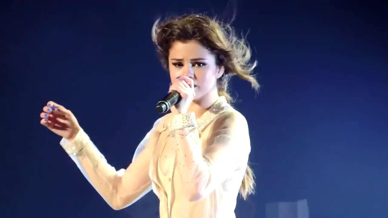 Gomez selena singing pictures