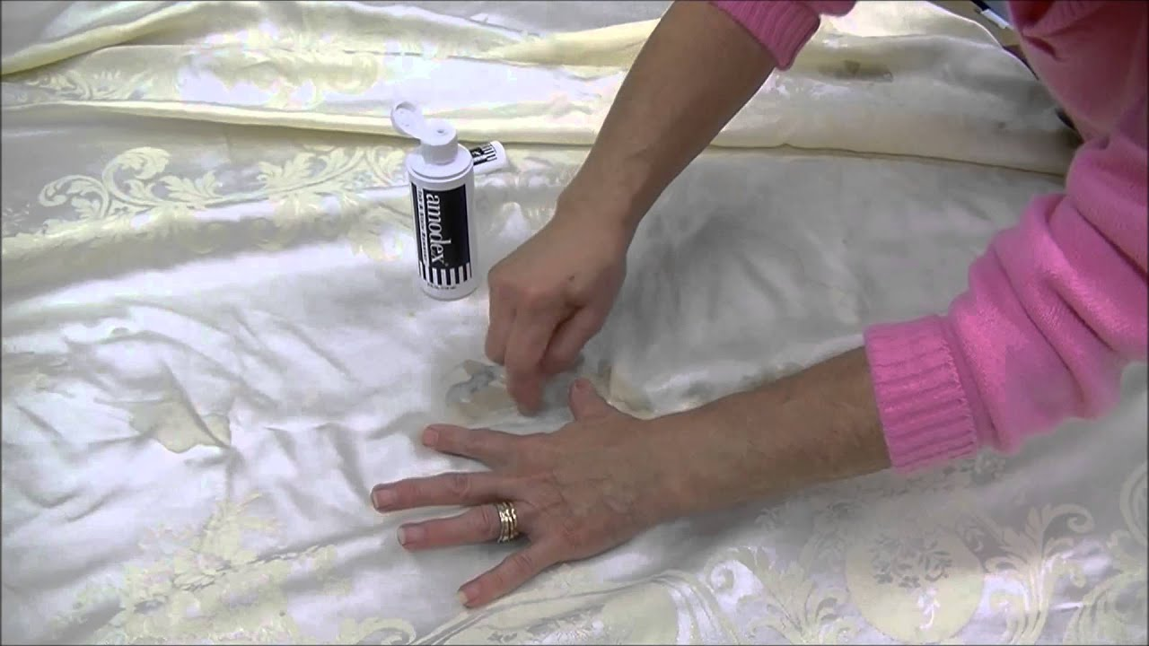 How To Clean A Tablecloth Using Amodex