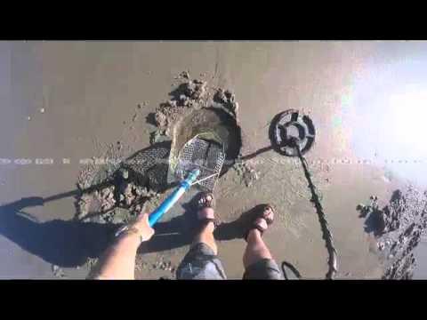 Metal Detecting ! Santa Cruz Beach Treasure Hunt #2 ! My first DIAMOND GOLD ring of 2016 !