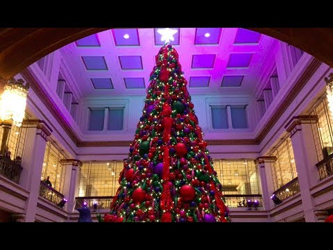 3 MUST-SEE CHICAGO HOLIDAY/CHRISTMAS SPOTS (and a bonus thing)