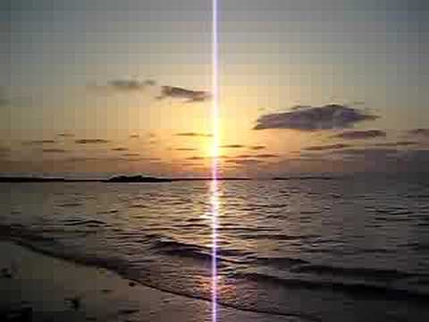 佐和田の浜の夕日。伊良部島でもっとメジャーなサンセットスポット。