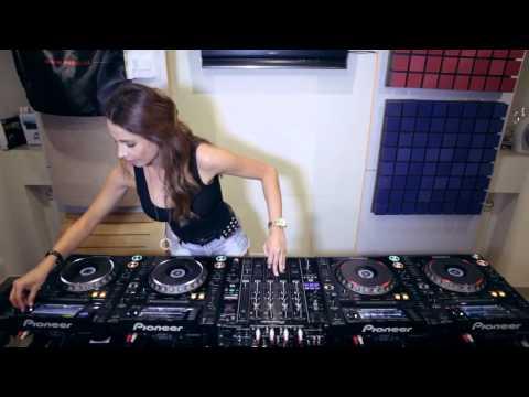 Juicy M   Mixing on 4 CDJs part 3