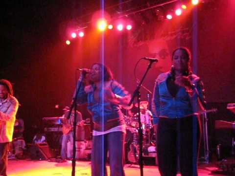 Stephen Marley 'Let Her Dance' with Erica Newell  at Lupos in Providence 08/01