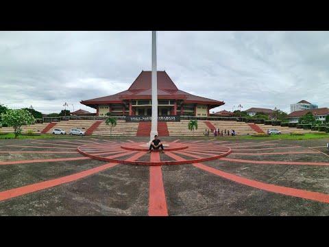 Keliling di UGM (Universitas Gadjah Mada) Yogyakarta