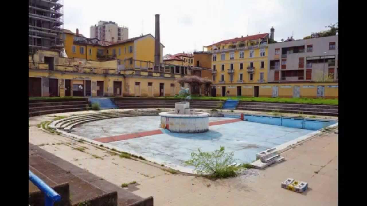 Milano La piscina scoperta Caimi bellissima struttura in stile liberty da anni abbandonata