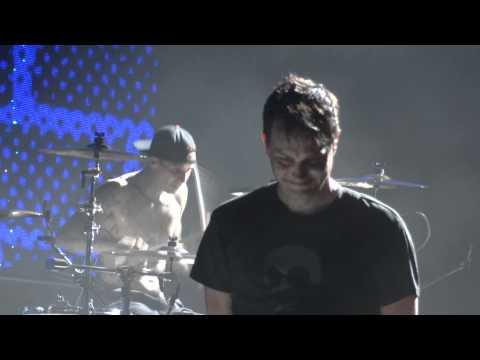Blink 182 Ghost on the Dancefloor Live Montreal 2011 HD 1080P
