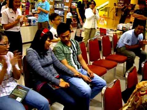 Setia I. Rusli dan Johanes Ariffin Wijaya in Action dalam The Secret of Hypnosis