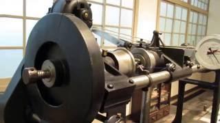 トヨタ産業技術記念館自動車館、ねじり試験機の動画