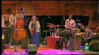 Cassandra Wilson - Red Guitar (Live)