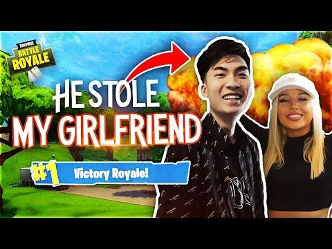 1 KILL = REMOVE 1 CLOTHING PIECE ON FORTNITE (Girlfriend & Ricegum)