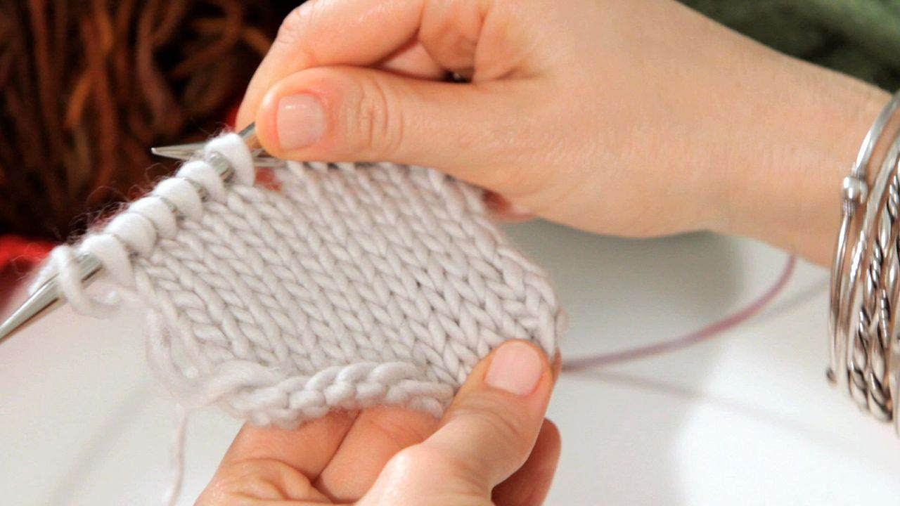 How To Do A Stockinette Stitch Knitting Youtube
