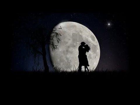 На небе ещё не родившись, мы что-то друг другу шептали... Стих о вечной любви...