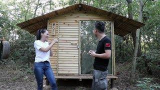 热湿透了!和小姐姐给小木屋安装锁具,添置寝具厨具!The living utensils in the wooden house!