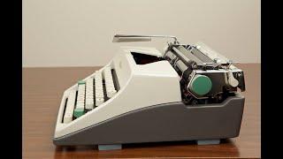 Olympia SM9 DeLuxe Typewriter