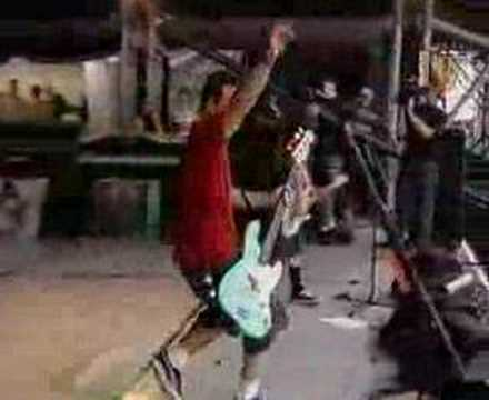 Blink 182 - Untitled (Live, Big Day Out 2000)