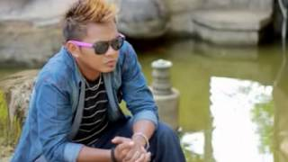 Download Mp3 Best Dangdut House Mix  Taufiq Sondang  - Menari Di Atas Luka