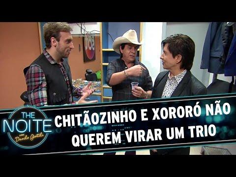 The Noite (27/10/15) - Caixinha De Sugestões: Chitãozinho E Xororó Não Querem Virar Um Trio