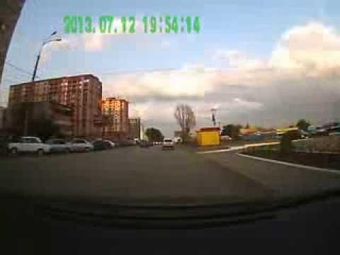 Видеорегистратор Helix HDR-300 - дневная съёмка