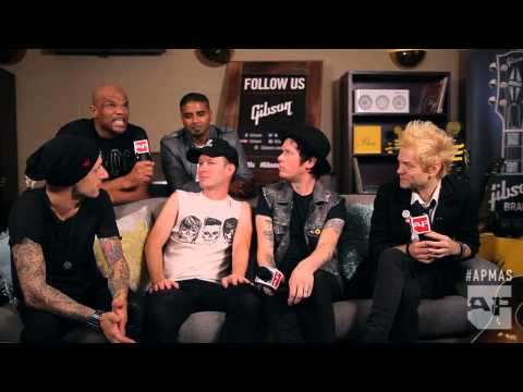 APMAs 2015: Sum 41and DMC interviewed in the Gibson backstage lounge