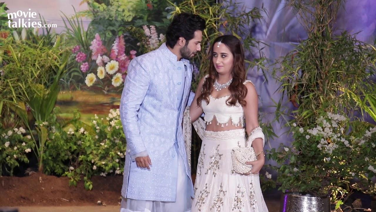 Varun Dhawan With His Girlfriend Natasha Dalal At Sonam Kapoor's GRAND  Wedding Reception - YouTube