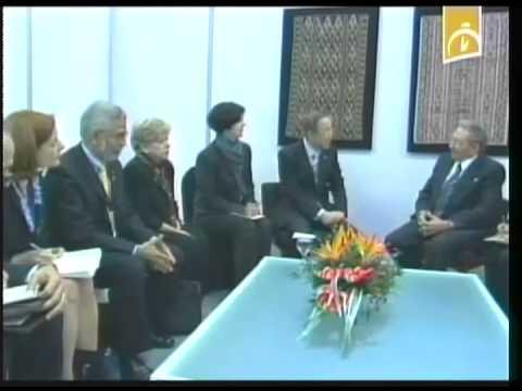 Bolivia: Raúl Castro sostiene encuentro con personalidades asistentes a Cumbre de los 77+China