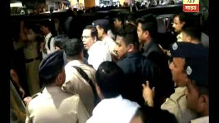 Thane : Police & Commissioner Jaiswal action on Rikshawwala & Feriwala 11:05:2017