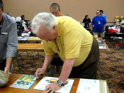 Paul Hornung Signs For The SI KING  6-12-11