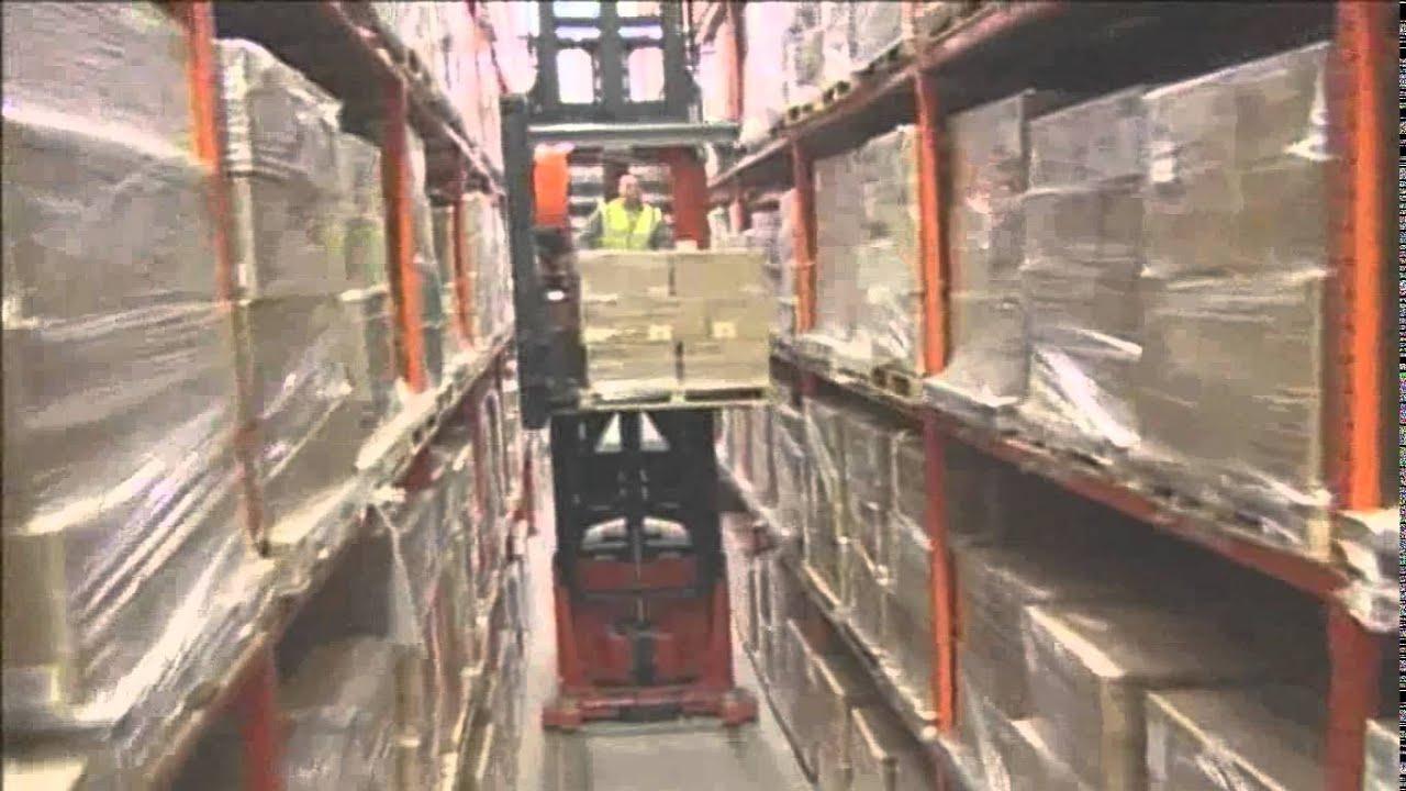 Bt Vector Vce150a Very Narrow Aisle Forklift Youtube