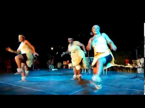 Mandela girls south african traditional dance group 2015 theatro rematias