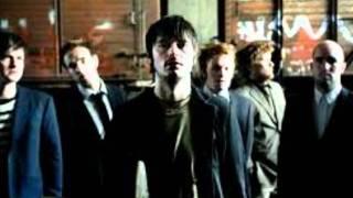 Kaizers Orchestra - I ett med verden [lyrics]