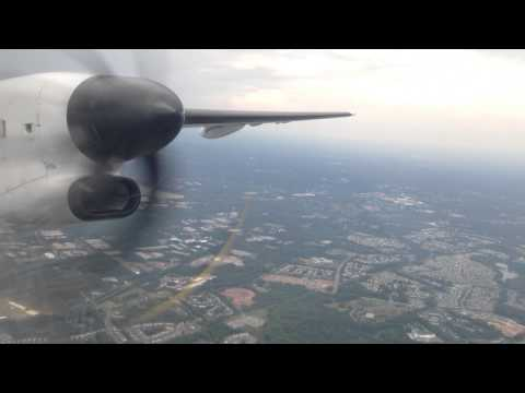 United Express Bombardier Q400 Dash 8 - RDU Raleigh Rainy Takeoff
