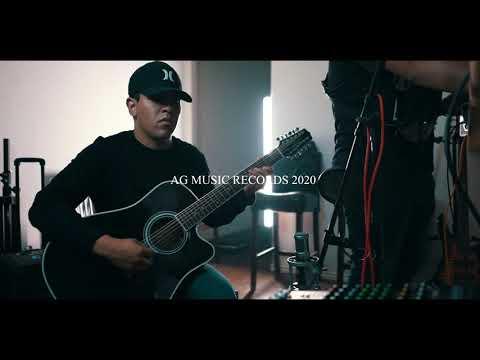 Pacas Verdes- Angel Garcia & Los De La 713 (version cumbia)