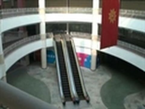 Dongguan Ghost Mall Haunts China's Property Boom