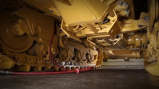Repeat youtube video Cat® D8T Dozer Powered Bottom Guard