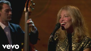 Carly Simon - I Only Have Eyes for You (Live On The Queen Mary 2)