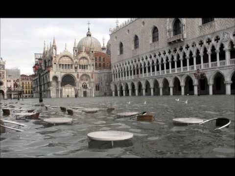 Soaked to the stone: Streets of Venice submerged under ... |Venice Flooding October 2012
